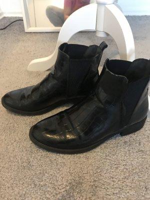 Chelsea Boots im Kroko Look Stradivarius