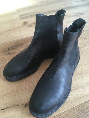 Chelsea Boots in schwarz Vagabond