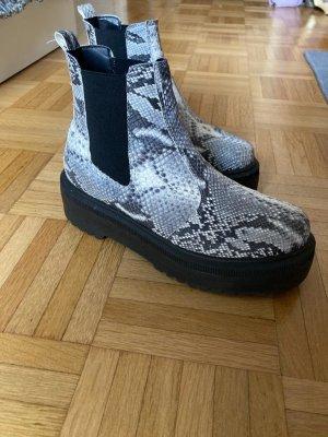 Chelsea Boots Schlangenmuster