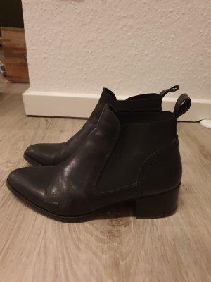 Chelsea Boots von SACHA