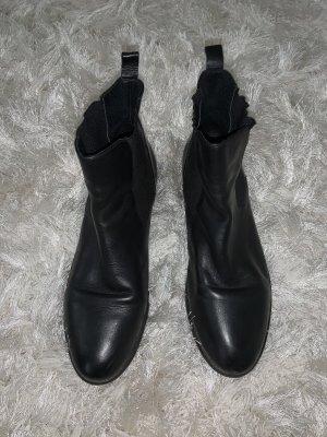 0039 Italy Aanrijglaarsjes zwart