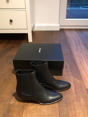 Chelsea-Stiefel aus Glattleder von Saint Laurent!
