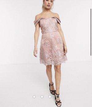 Chi Chi London Sukienka o kroju litery A w kolorze różowego złota Poliester