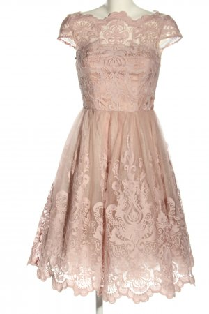 Chi Chi London Chiffonkleid pink grafisches Muster Elegant
