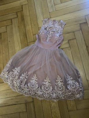 Chi Chi London Sukienka koktajlowa w kolorze różowego złota