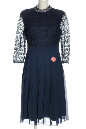 Chi Chi London Langarmkleid blau klassischer Stil