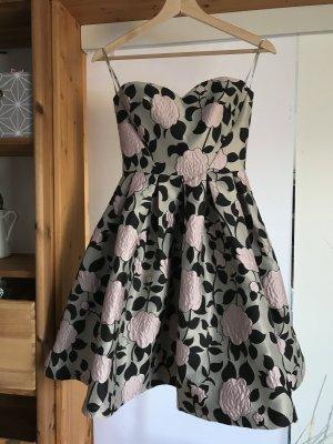 Chi Chi London Petite Cocktailkleid / festliches Kleid