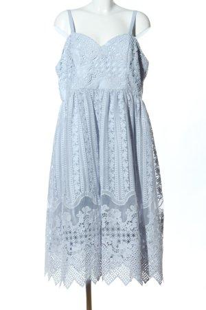 Chi Chi London Robe en dentelle bleu élégant