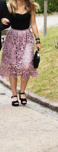 Chi Chi London Rok met hoge taille stoffig roze