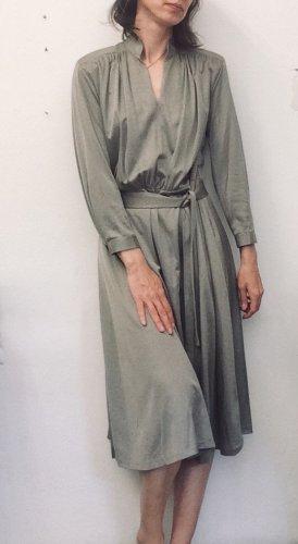 chices Vintage-Kleid in tollem Silber