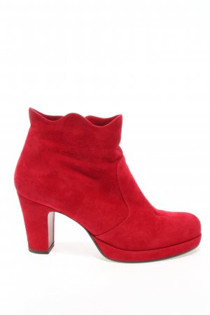 Chie Mihara Booties red casual look
