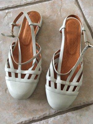 Chie Mihara Sandalen met bandjes en hoge hakken licht beige