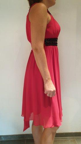 Chiffon Kleid, doppellagig mit Cups, pink mit schwarzen Steinen vorne, schulterfrei