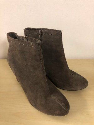 Chinese Laundry Wedge Booties grey brown