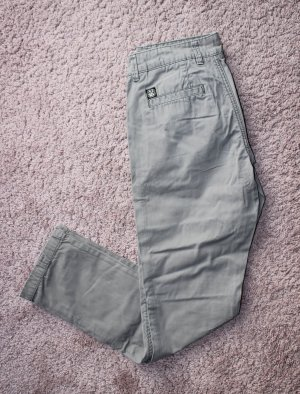 Review Chinos grey brown