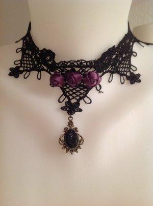 Collana nero-viola scuro