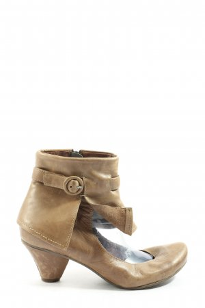 Chocolate Cut out boots bruin casual uitstraling
