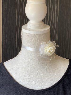 Choker Halsband mit weißer Rose