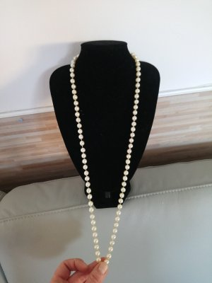 Christian Dior Pearl Necklace white