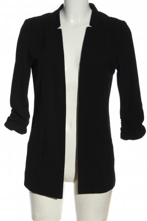 Christine Tailcoat black casual look