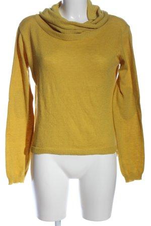 Christine Turtleneck Sweater primrose casual look
