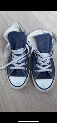 Converse Lace-Up Sneaker blue