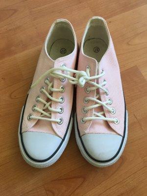Chucks-Ähnliche Schuhe in Gr 37