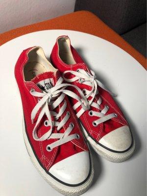 Chucks Converse Rot