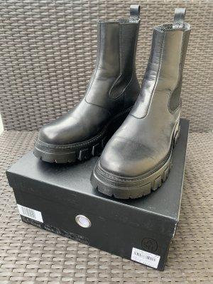 Ash Italia Chelsea Boots black leather