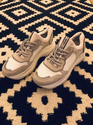 Chunky Sneaker / Ugly Sneaker Bronx