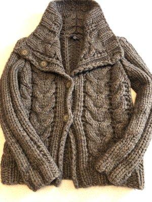 Cinque Cardigan a maglia grossa marrone scuro