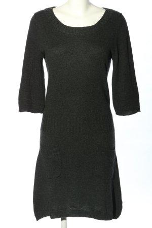 Cinque Vestido tejido gris claro moteado look casual