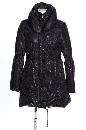 Clara Vitti Abrigo de invierno negro estampado con diseño abstracto look casual