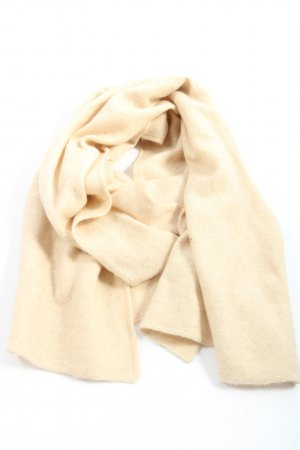 Clarina Knitted Scarf cream casual look