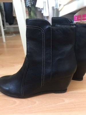 Clarks Booties black leather