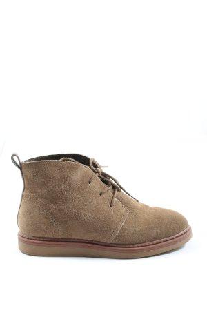 Clarks Desert Boots brown casual look