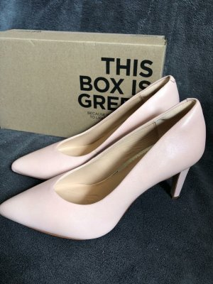 Clarks Pointed Toe Pumps light pink