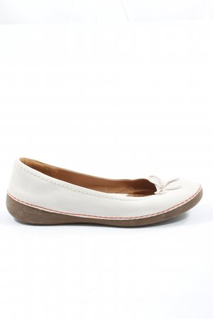 Clarks Classic Ballet Flats white casual look