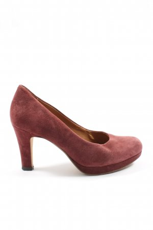 Clarks Classic Court Shoe brown casual look