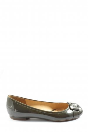 Clarks Patent Leather Ballerinas khaki casual look