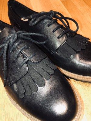 Clarks Zapatos estilo Oxford negro Cuero