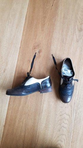 Clarks Wingtip Shoes black-dark brown