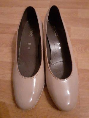 Clasic low heels