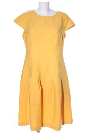 Class International Sukienka etui bladożółty W stylu casual