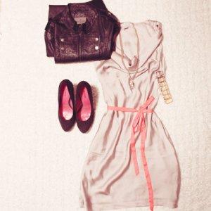 Classic Chic | Edles Kleid mit Neon-Schleife