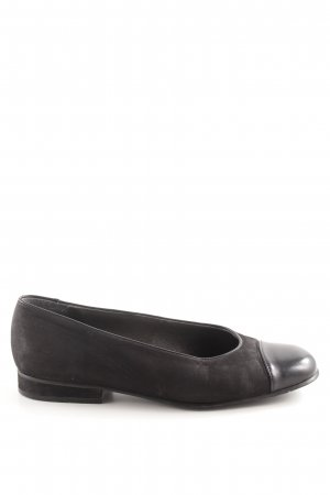 Classic Patent Leather Ballerinas black casual look