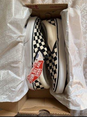 Classic Slip-On Vans Checkered