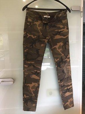 Clockhouse Camouflage Hose Gr. 38