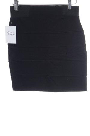 Clockhouse Skater Skirt black street-fashion look