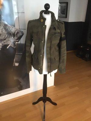 Closed Camouflage Jacke